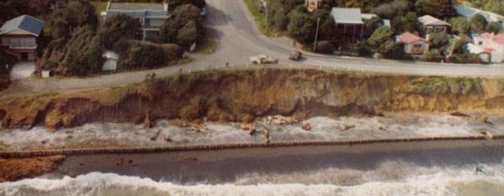 1976-kapiti-erosion-39_6-1_The_esplanade