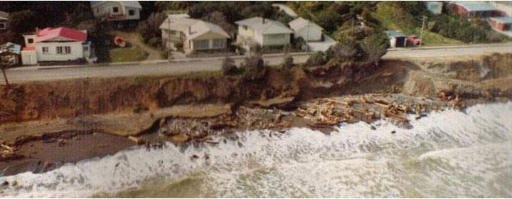 1976-kapiti-erosion-41_7-19_The_esplanade